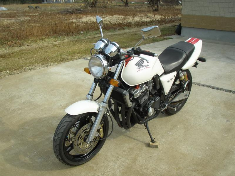 купить мотоцикл Honda CB400